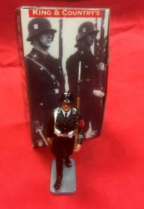 King & Country LAH 30 SS Rifleman Marching
