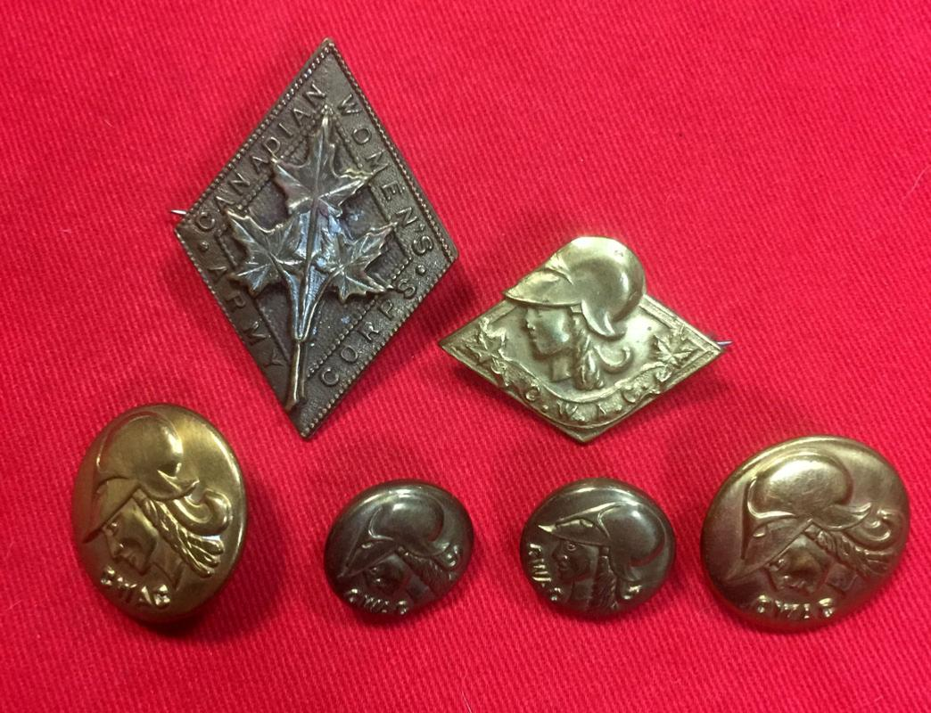 WW2 Canadian Women's Army Corps Badges & Buttons