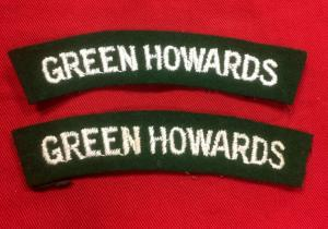 WW2 British Green Howards Shoulder Flashes