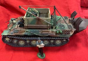 Honour Bound HB05C German Bergpanther Recovery Vehicle